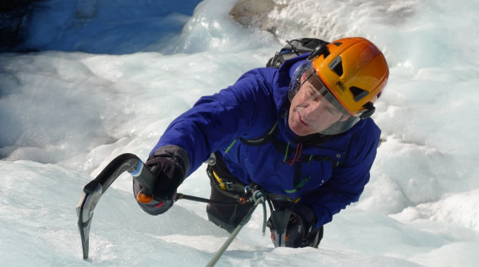 Ice climbing in sunny Norway!